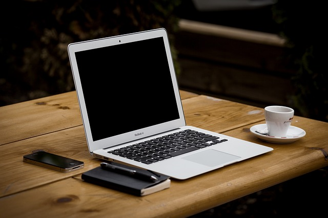 3 Things Your Freelance Blogger Needs to Write Your Blog Posts